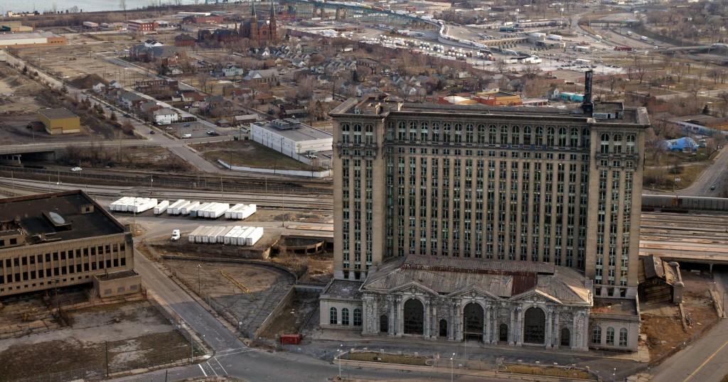 """Charlie LeDuff - """"Detroit: Sekcja zwłok Ameryki"""" - recenzja"""